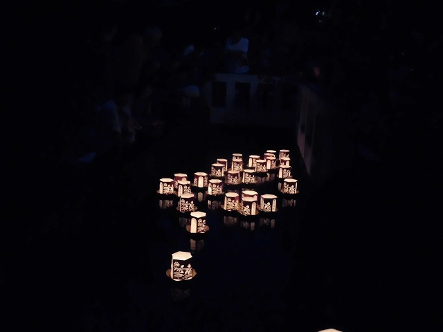 夏の最後の行事 毎年8月16日は「わきみず寺」(法雲寺)の「灯篭流し」_f0141310_06430275.jpg