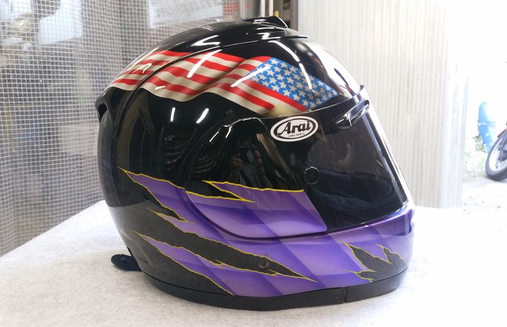 輩のカワサキ。ZX-10乗りのヘルメットとか。_d0130115_16493876.jpg