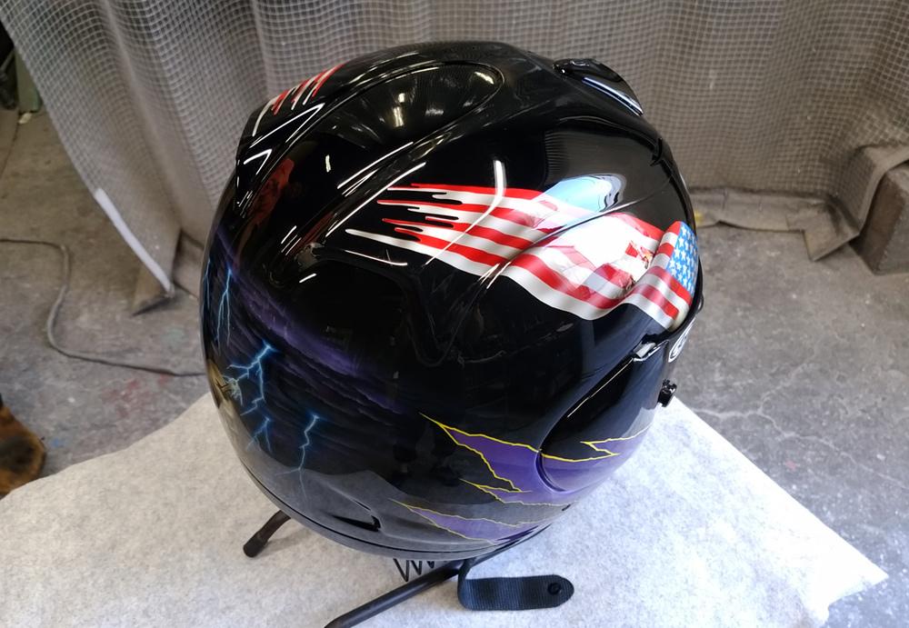 輩のカワサキ。ZX-10乗りのヘルメットとか。_d0130115_16525125.jpg