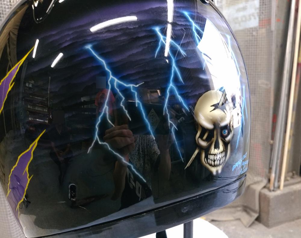 輩のカワサキ。ZX-10乗りのヘルメットとか。_d0130115_17175968.jpg