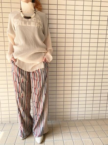 CHIGNONSTAR☆シアープリーツタートルpullover☆_e0269968_16001613.jpg