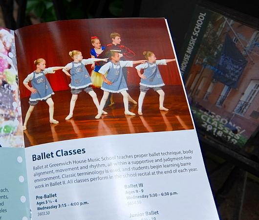 グリニッジ・ビレッジの住宅街に100年超の歴史ある音楽学校、Greenwich House Music School_b0007805_02044138.jpg