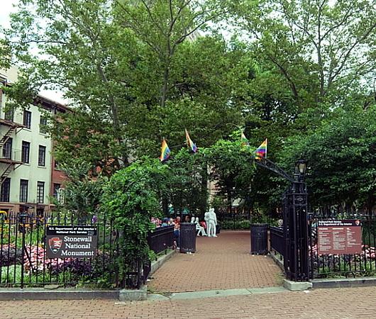 2016年から米国定公園⁉になってる聖地、Stonewall National Monument_b0007805_05005650.jpg