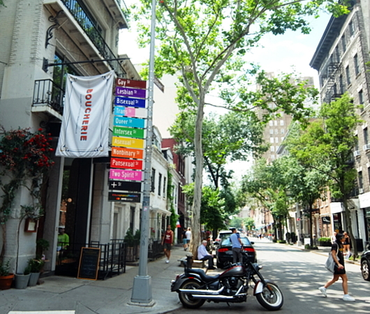 NYのゲイ・ストリートが、アクセプタンス・ストリート(Acceptance Street)へ改名_b0007805_23423694.jpg