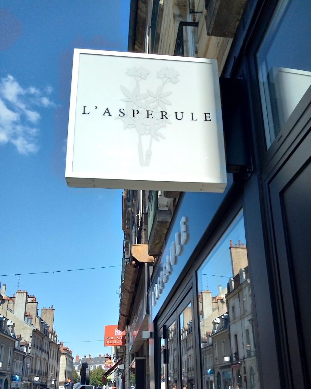 レストラン ラスペリュール Restaurant L\'Aspérule_e0243221_04103021.jpg