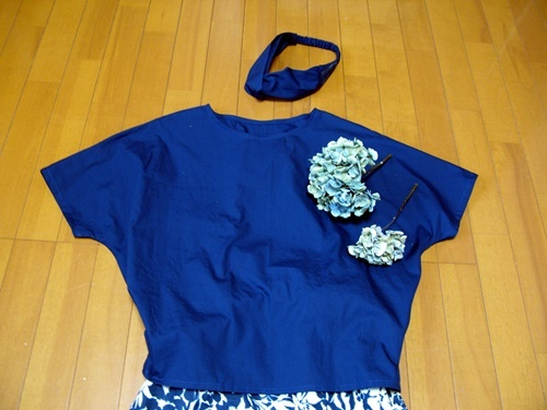 布帛Tシャツ&セミフレアスカート_f0129726_20222550.jpg