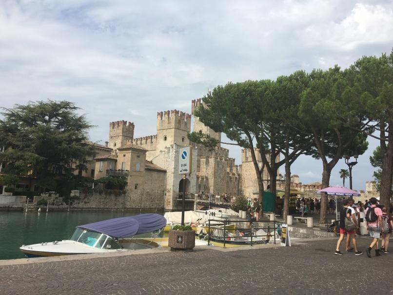 2019夏のイタリア旅行記18 自転車でシルミオーネ温泉_d0041729_18445005.jpg