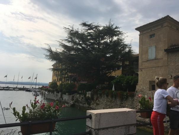 2019夏のイタリア旅行記18 自転車でシルミオーネ温泉_d0041729_18451402.jpg