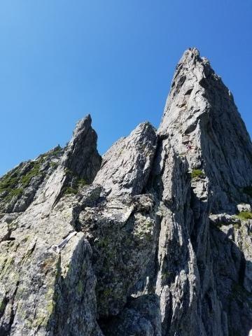 剱岳 チンネ左稜線・八ツ峰上半部_d0237801_22391292.jpg