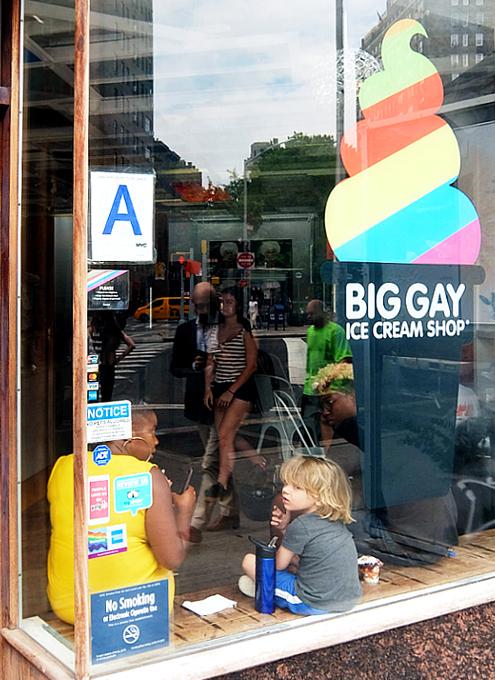 ビッグ・ゲイ・アイスクリーム・ショップ(Big Gay Ice Cream Shop)、グリニッジ・ビレッジ店_b0007805_02051423.jpg