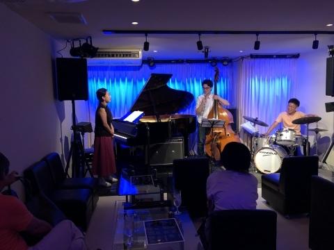 広島 ジャズライブ カミン  Jazzlive Comin 本日8月21日水曜日のライブ_b0115606_11350664.jpeg