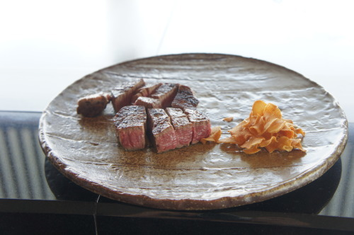 【鉄板焼 燔(新浦安)伊勢海老と国産牛フィレ肉のランチ】_f0215714_17044911.jpg