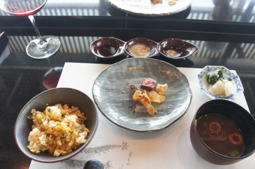 【鉄板焼 燔(新浦安)伊勢海老と国産牛フィレ肉のランチ】_f0215714_17050998.jpg