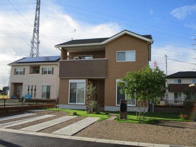 シマトネリコをシンボルツリーに‼太田でナチュラルガーデン完成!_e0361918_12562912.jpg