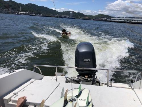 若者達と初めてウェイクサーフィンにチャレンジ!_a0132631_10032005.jpg