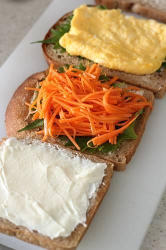 マルチシリアル食パンでサンドイッチ!_a0165538_09140658.jpg