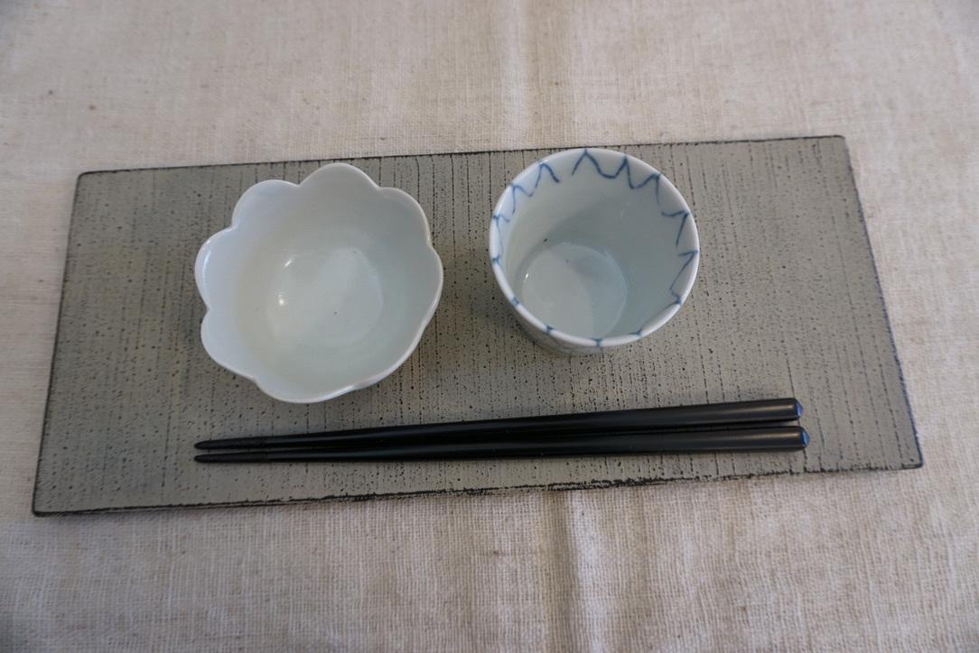 白漆のプレートと丸盆_b0132442_17051924.jpg