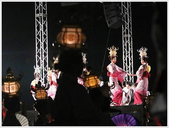 山鹿灯籠まつりの千人燈籠踊り、出かけて良かった、見られてよかった\(>∀<)/_b0175688_21495630.jpg