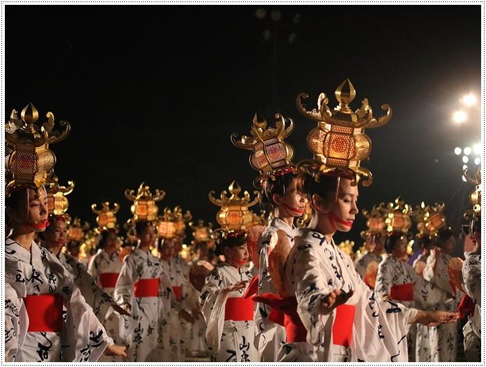 山鹿灯籠まつりの千人燈籠踊り、出かけて良かった、見られてよかった\(>∀<)/_b0175688_21530140.jpg