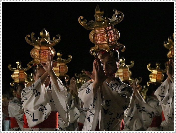 山鹿灯籠まつりの千人燈籠踊り、出かけて良かった、見られてよかった\(>∀<)/_b0175688_21531760.jpg