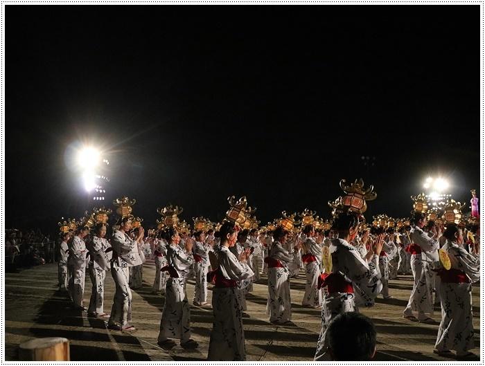 山鹿灯籠まつりの千人燈籠踊り、出かけて良かった、見られてよかった\(>∀<)/_b0175688_21533017.jpg
