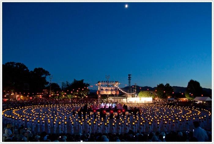 山鹿灯籠まつりの千人燈籠踊り、出かけて良かった、見られてよかった\(>∀<)/_b0175688_22031250.jpg