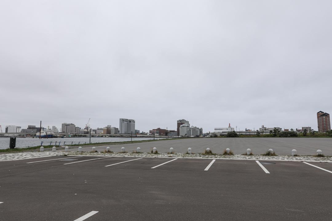 緑の島から見えるホテルについて考える_a0158797_22392471.jpg