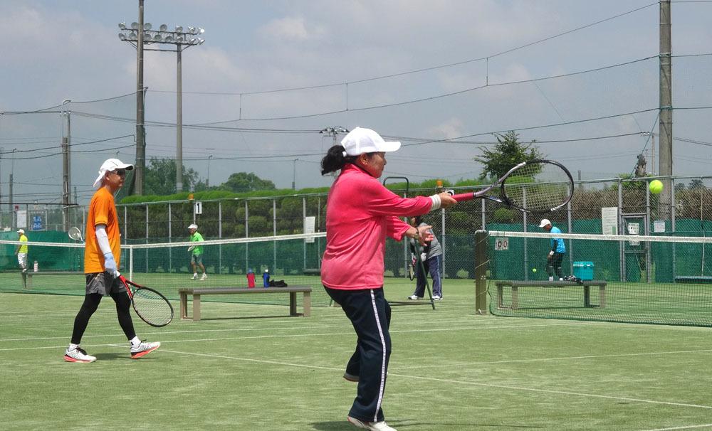 中休み シニアテニスは アイスつき_b0114798_17334495.jpg