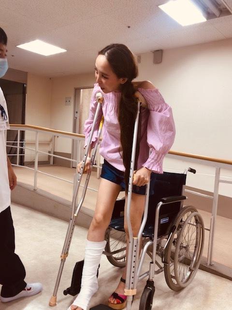 足骨折しました。_a0050302_13212546.jpg