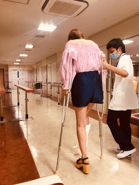 足骨折しました。_a0050302_13215744.jpg