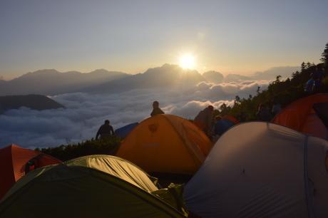 2019年8月17日 剣岳に沈んだ夕陽で空がバラ色に輝くsunsetを堪能した。_c0242406_17142177.jpg