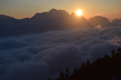 2019年8月17日 剣岳に沈んだ夕陽で空がバラ色に輝くsunsetを堪能した。_c0242406_17151723.jpg