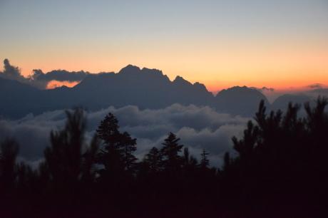 2019年8月17日 剣岳に沈んだ夕陽で空がバラ色に輝くsunsetを堪能した。_c0242406_17253611.jpg