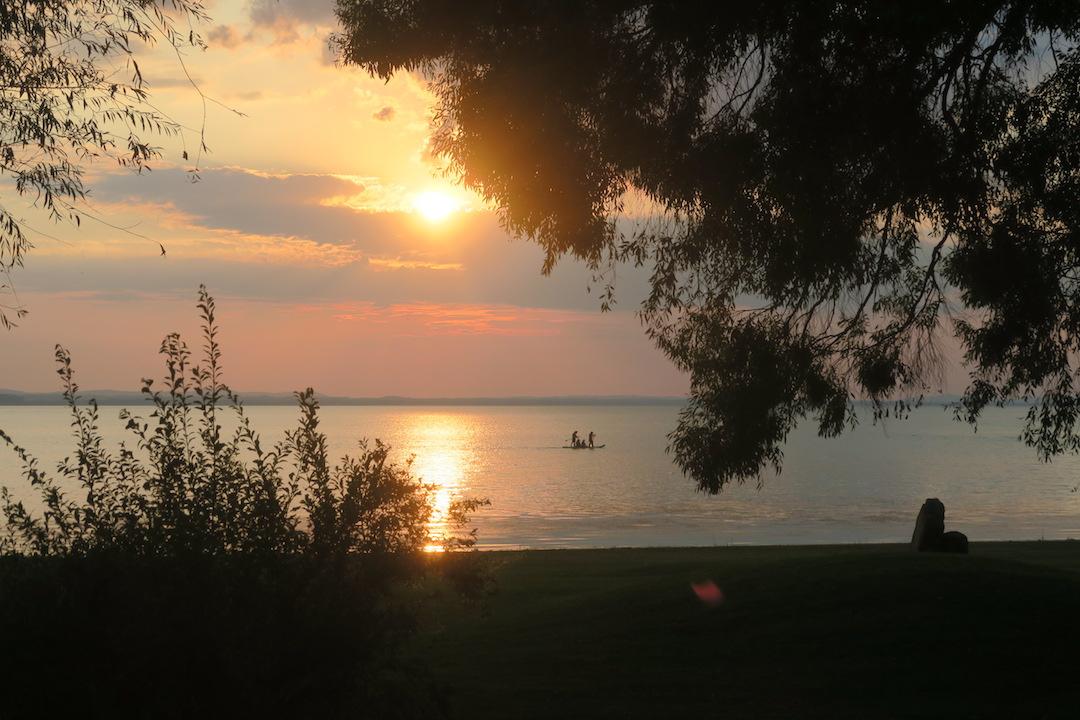 金色の湖畔で夕食 帰りは雷雨、トラジメーノ湖・ウンブリア_f0234936_6434362.jpg