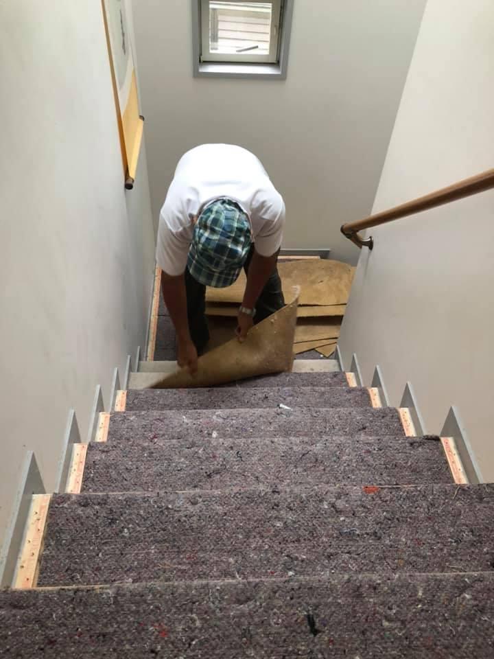 茶館の階段を取り換え_f0070743_23471223.jpg