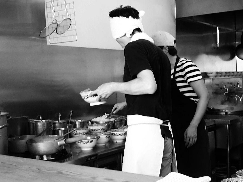 海上りに「つけ麺京蔵」で肉玉辛味_e0220163_16365449.jpg