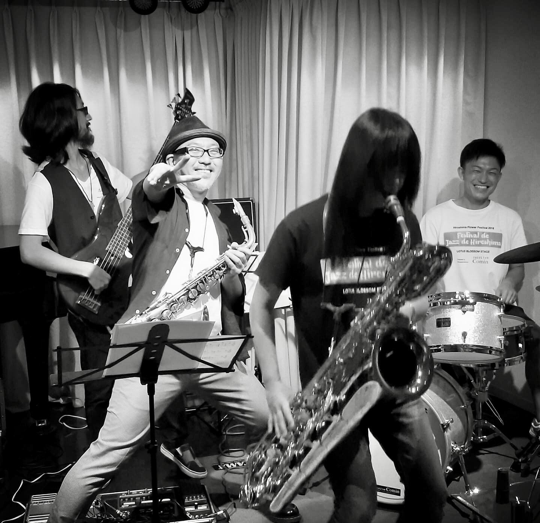 Jazzlive Comin ジャズライブ カミン 広島 本日金曜日のライブ_b0115606_10062159.jpeg