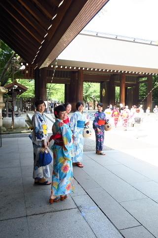 衣服は人生の設計図。靖国神社~銀座~横浜、歩コムの2日間。_d0046025_00144680.jpg