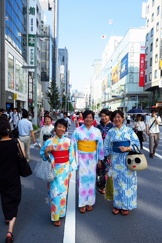 衣服は人生の設計図。靖国神社~銀座~横浜、歩コムの2日間。_d0046025_00175908.jpg