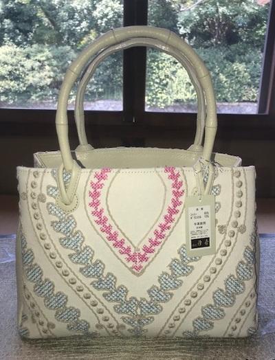 お洒落な刺繍のバッグ・去年ご紹介した型違い。_f0181251_18493709.png