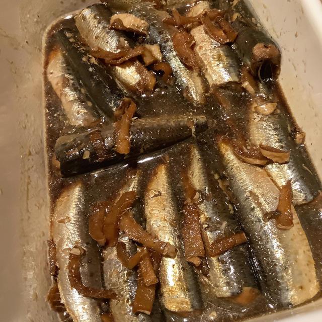 いわし生姜煮は寝かせ用、かつおのタタキで飲む。_a0334793_20123941.jpg