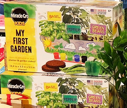 アメリカでは室内で新鮮な野菜やハーブを育てるのが、最新トレンド?_b0007805_02293106.jpg