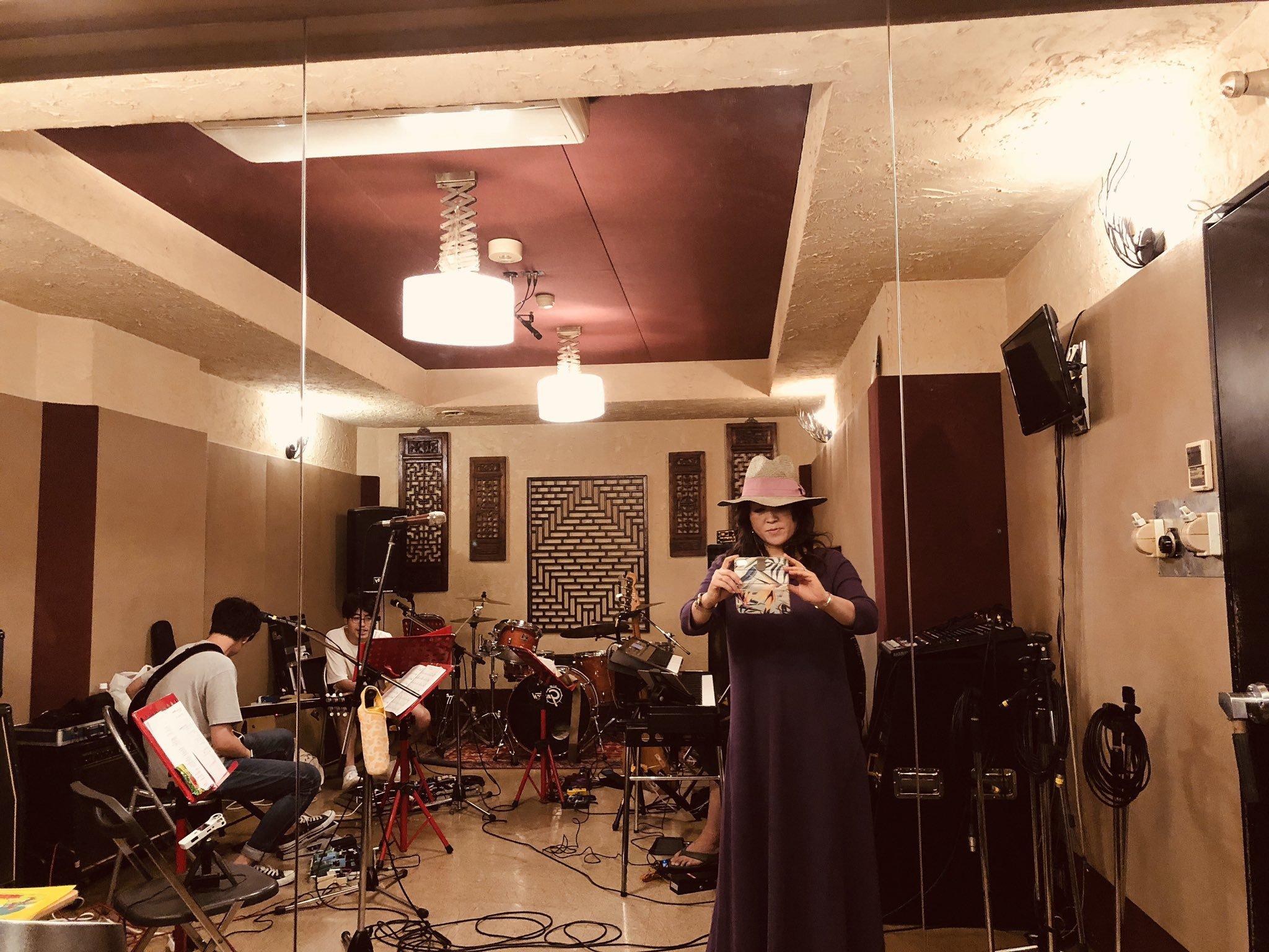 24日、Roxyレコ発LIVEにお越しの皆様へ_a0088007_02060452.jpg