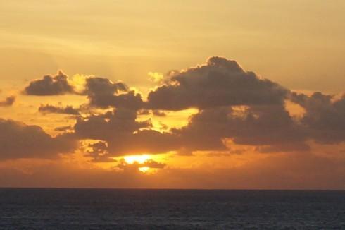 海に沈む太陽_f0055131_14195247.jpg