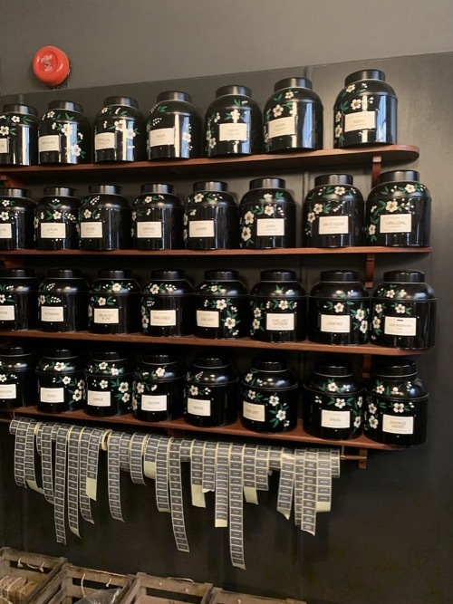 王室御用達のコーヒ&紅茶のお店ヒギンズ ロンドン_f0380234_04373813.jpg