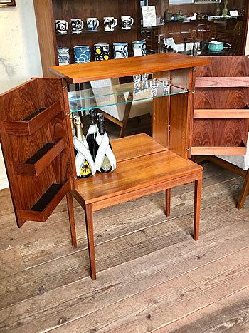 Bar cabinet_c0139773_15102600.jpg