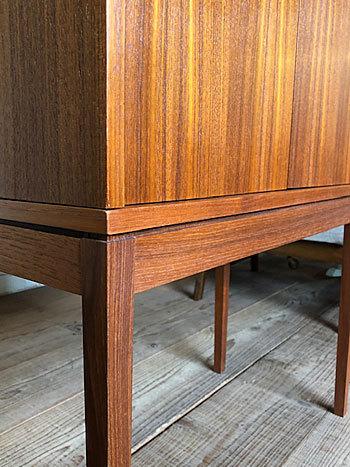 Bar cabinet_c0139773_15112898.jpg