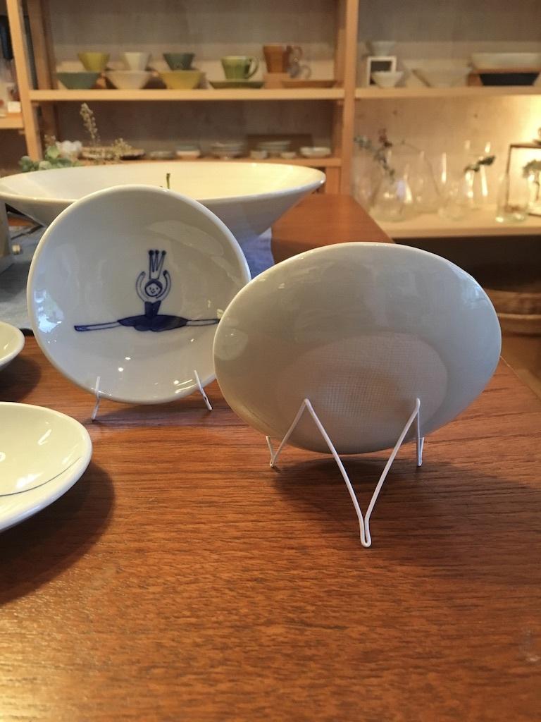 丸小皿のためのワイヤースタンドできました。_c0334574_19300447.jpg