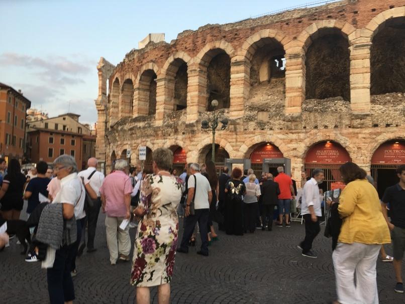 2019夏のイタリア旅行記20 アレーナの野外オペラ_d0041729_22275273.jpg