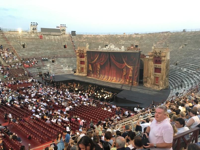 2019夏のイタリア旅行記20 アレーナの野外オペラ_d0041729_22302301.jpg